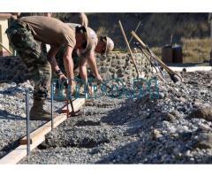 Рабочие на строительство
